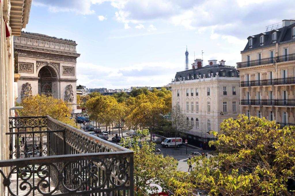 Hotel Belfast, Paris, France - Booking.com