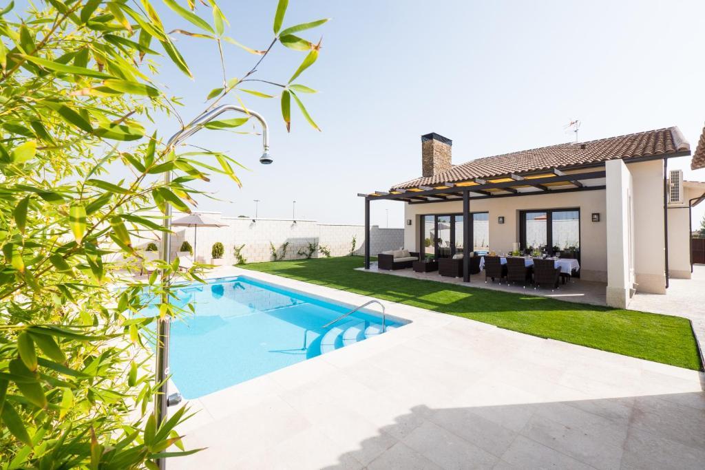 Vacation Home el arrabal de toledo, Cobisa, Spain - Booking.com