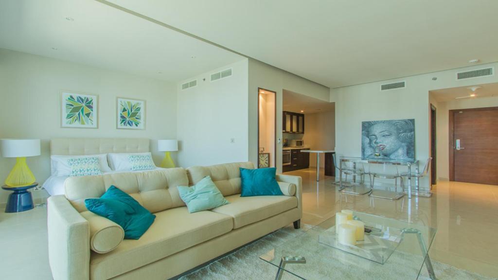 Driven Holiday Homes - Ubora Tower, Dubai, UAE - Booking com