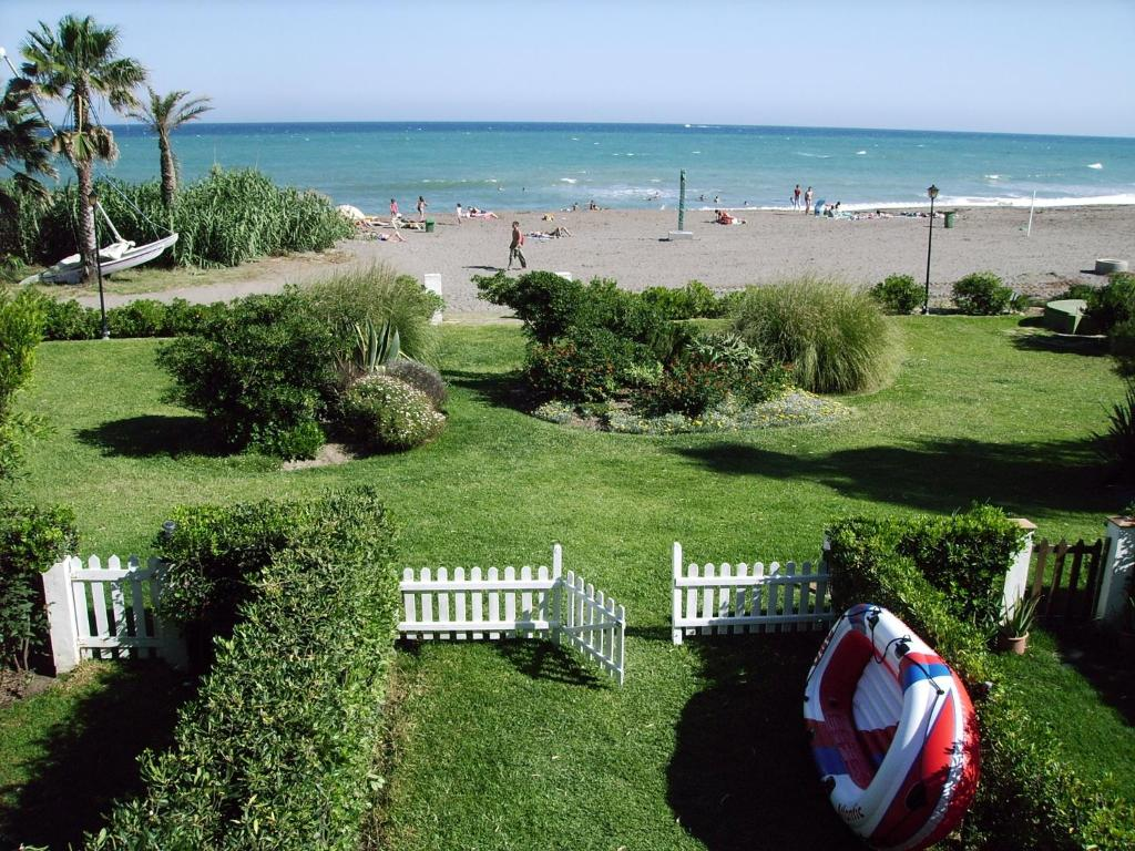 Your Vacation Retreat Right On The Beach imagen