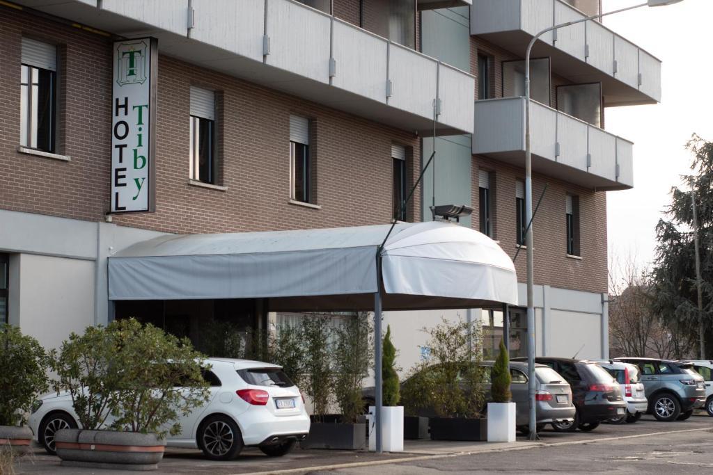 Tiby Hotel