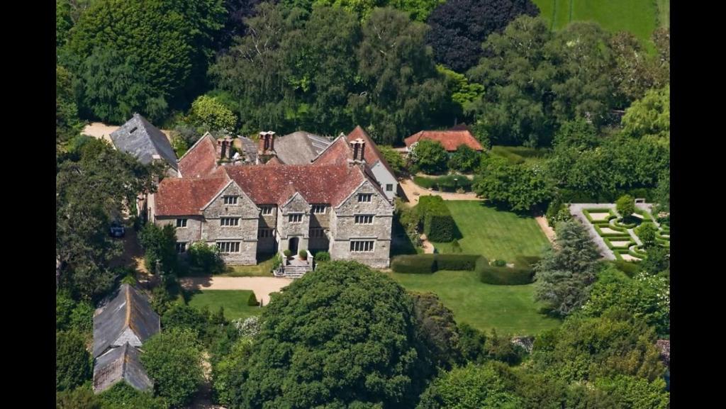 Apgyvendinimo įstaigos Arreton Manor vaizdas iš viršaus