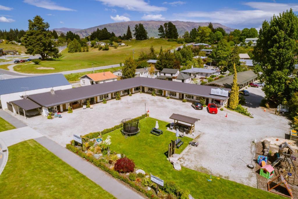 A bird's-eye view of Alpine Motel