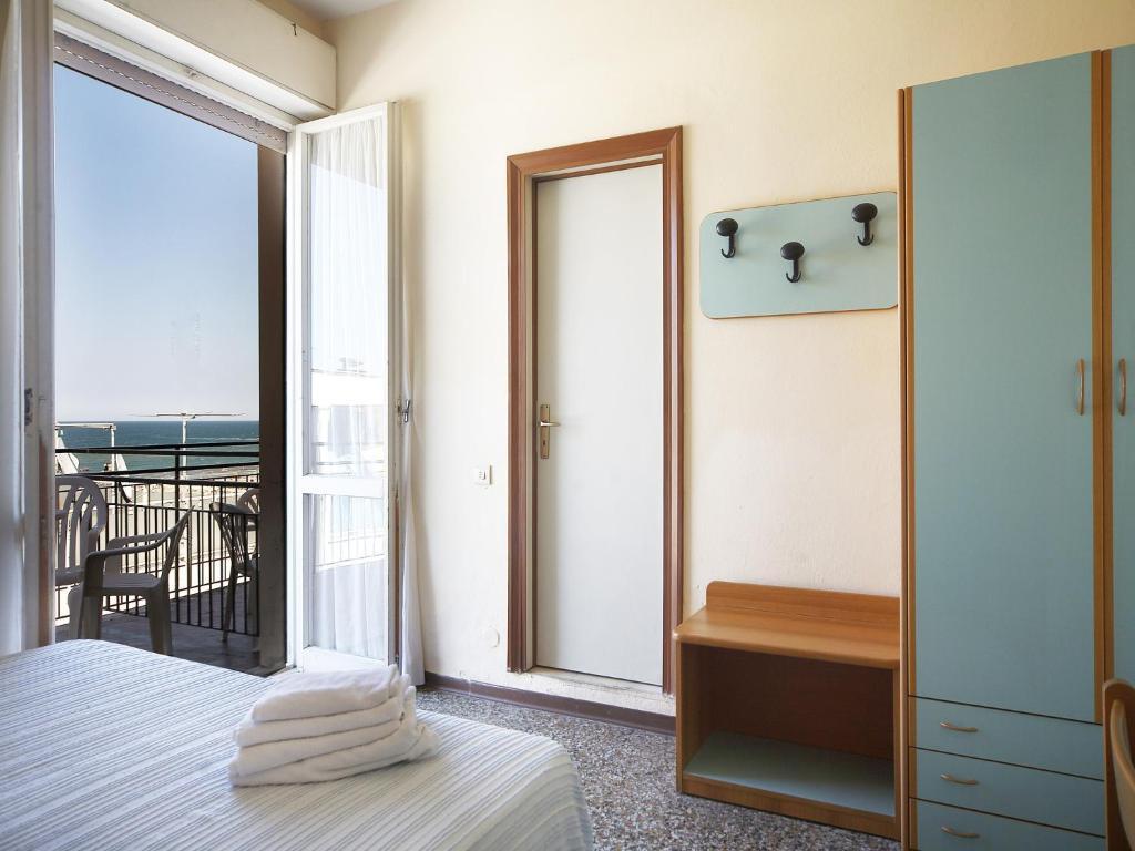 Hotel Telstar (Italien Rimini) - Booking.com