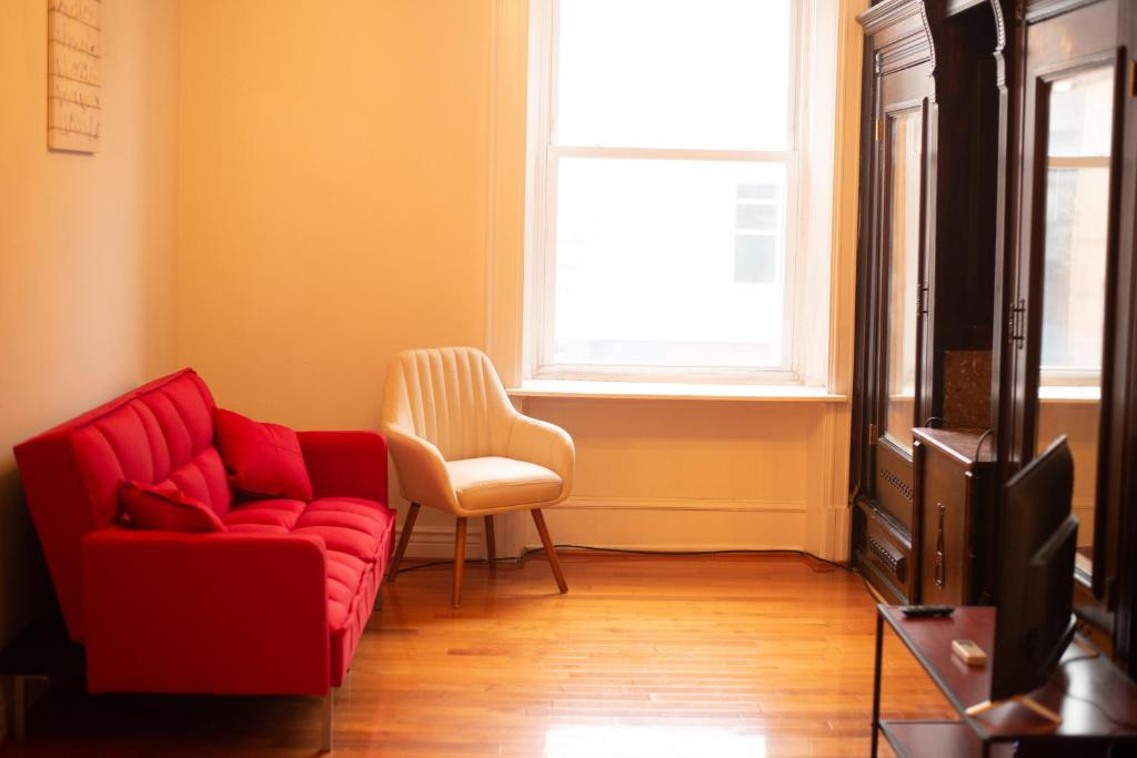 A seating area at 1216 Suites 2F