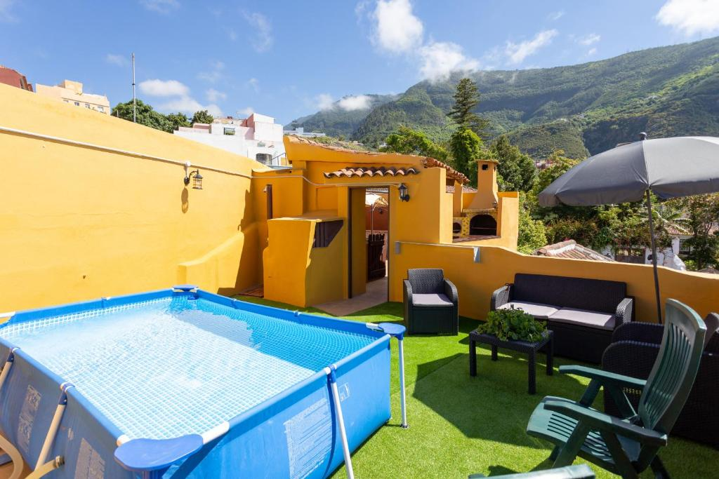 The swimming pool at or near Canarian House with views and pool
