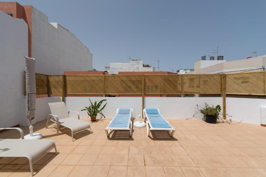 Solarium House in the Main Avenue, Vecindario – Updated 2019 ...
