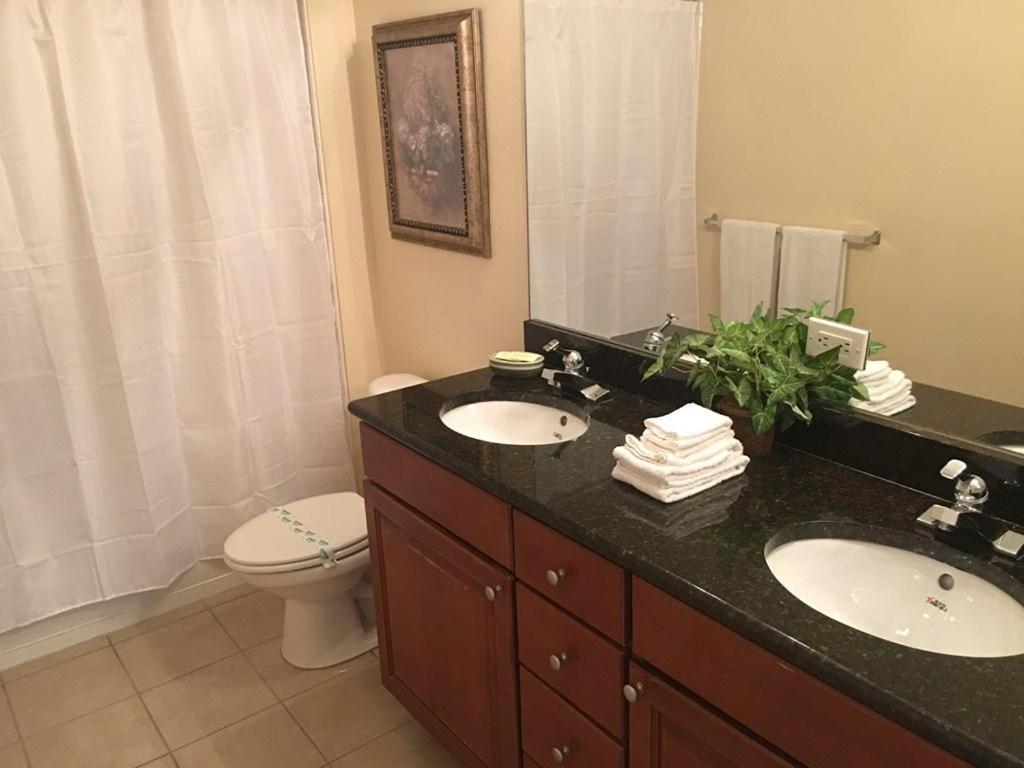 Salle de bains dans l'établissement Cane Island 5252-2