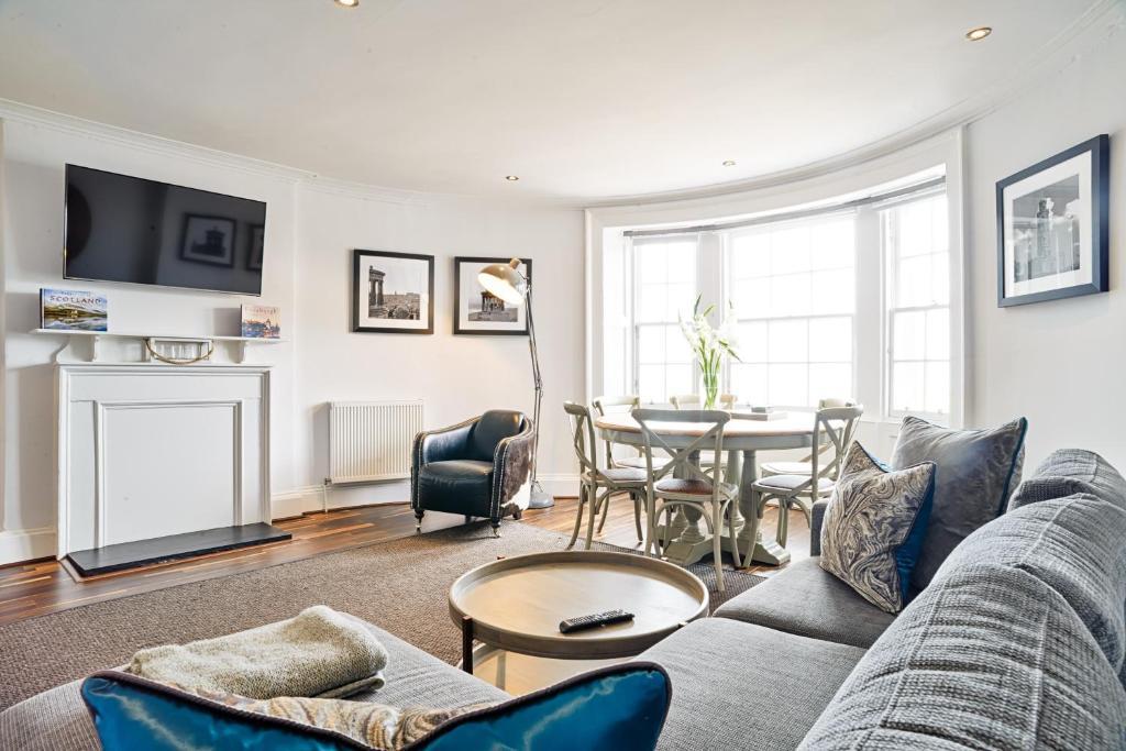 Prostor za sedenje u objektu George St Apartments by BNBbuddy