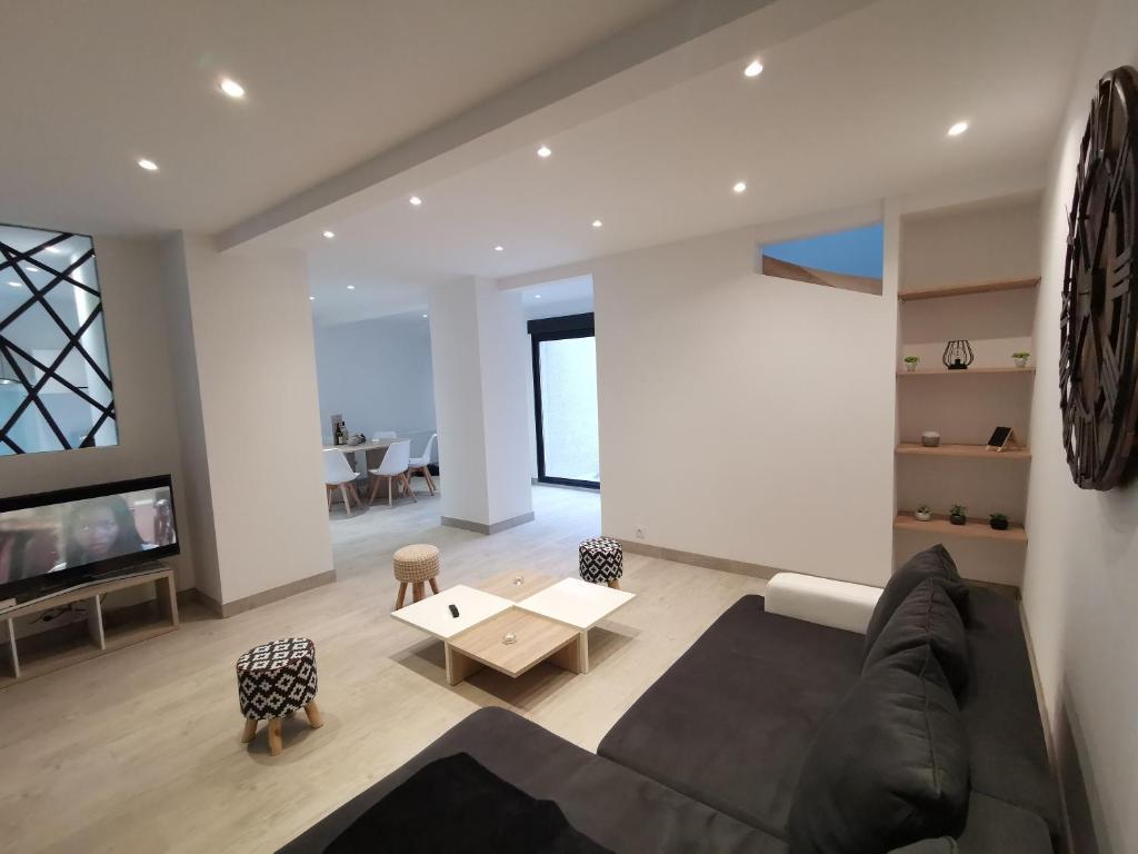 Apartments In Saint-cyr-les-vignes Rhône-alps