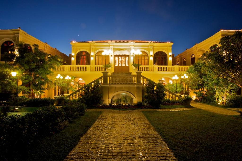 Почувствуйте себя знаменитостью благодаря великолепному сервису в Praya Palazzo