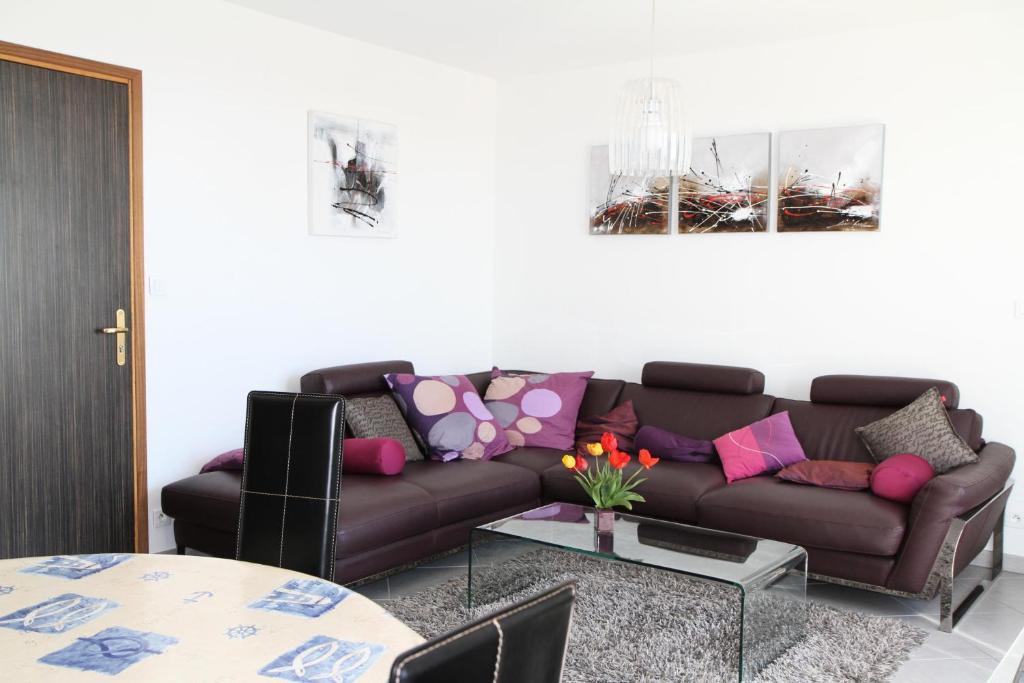 Coin salon dans l'établissement Appartement 3 pièces 4 personnes grande terrasse 74954