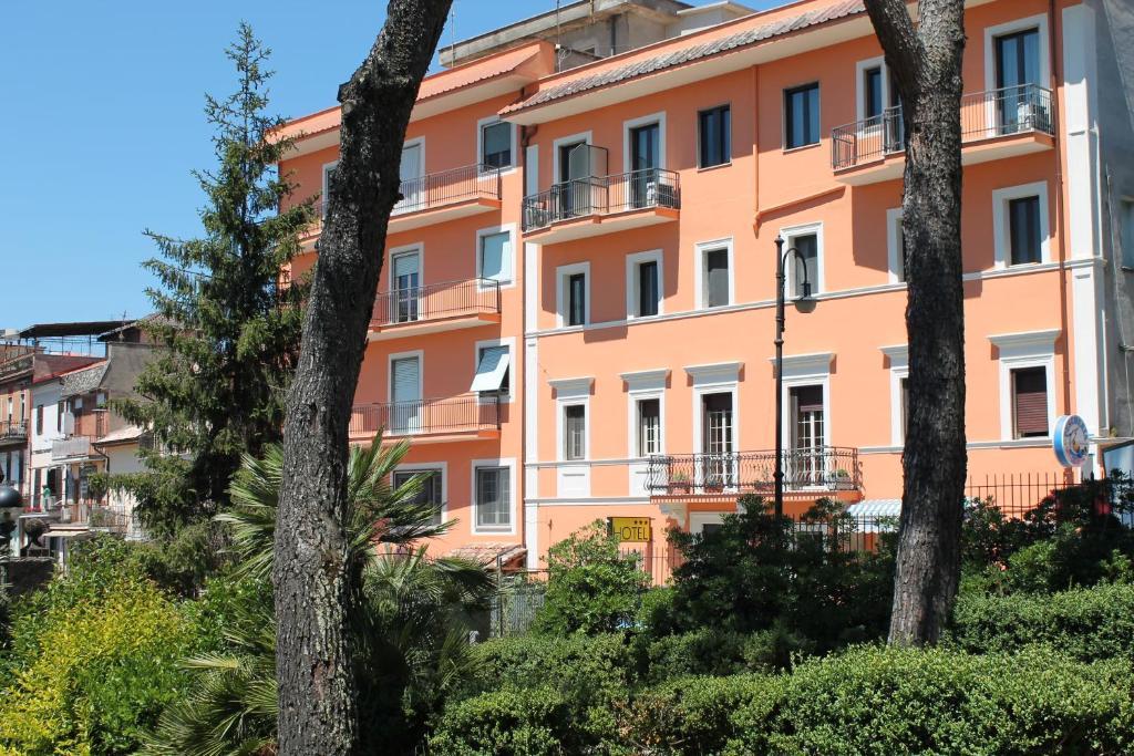 hotel la villa (italia ceccano) - booking.com - Centro Arredo Bagno Ceccano
