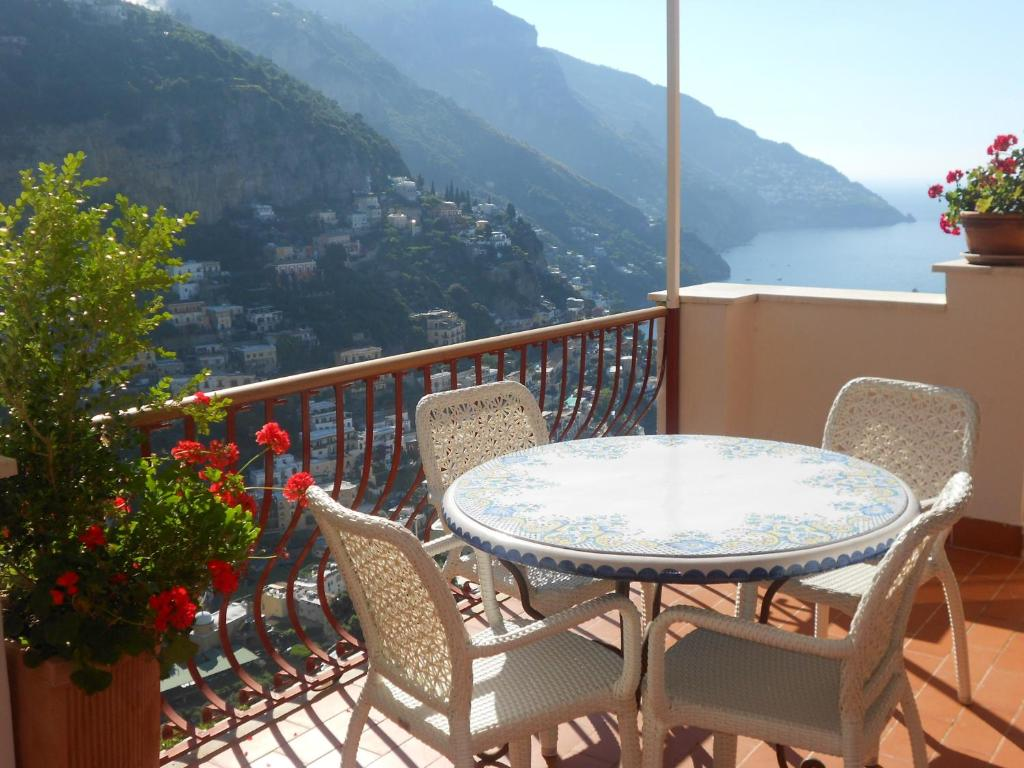 Apartment Casa Le Terrazze, Positano, Italy - Booking.com
