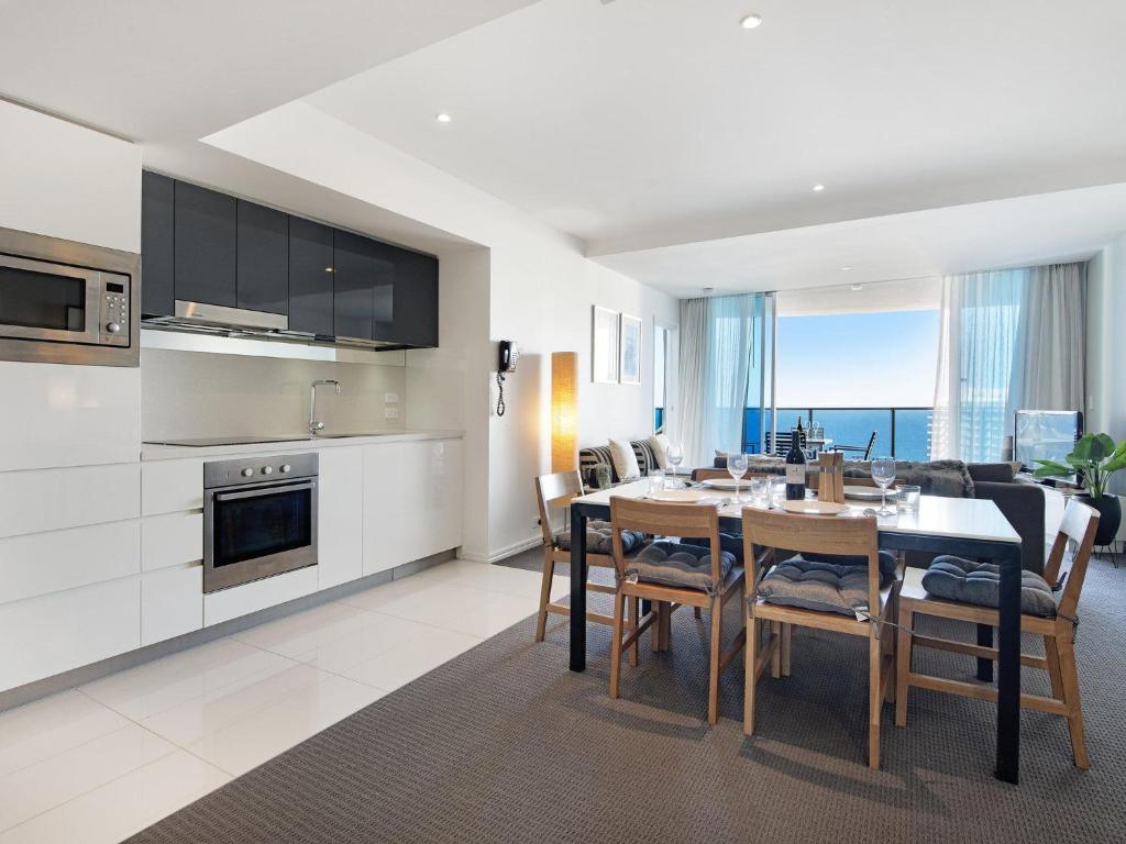 2 Bedroom Ocean View 27 Floors Above H Residences Gold Coast