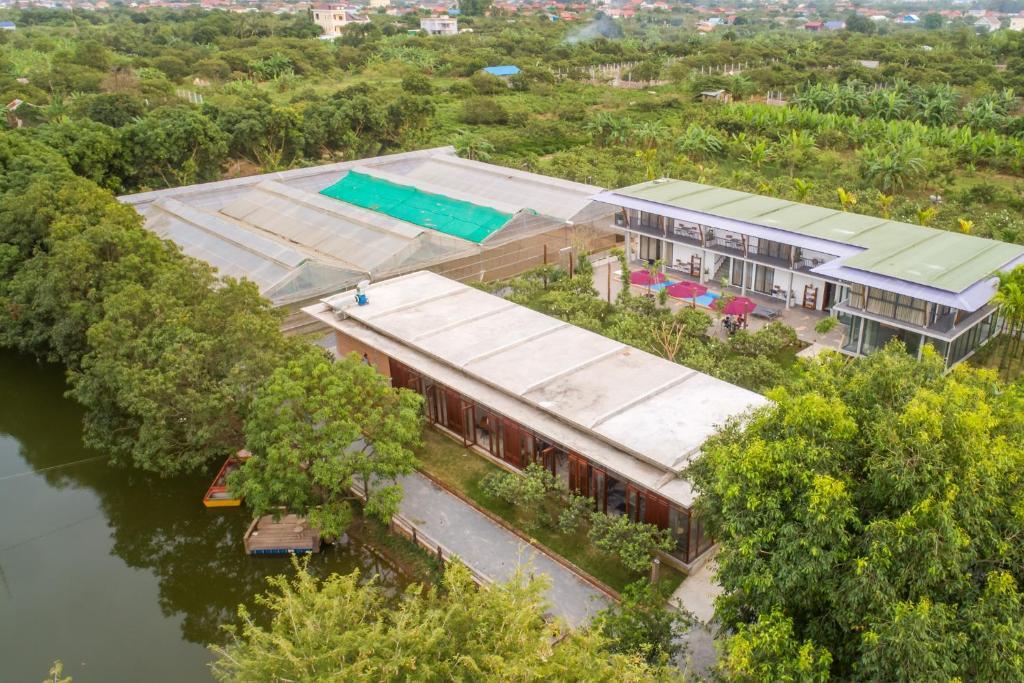 Pemandangan kolam renang di Amarak Farm atau di dekatnya