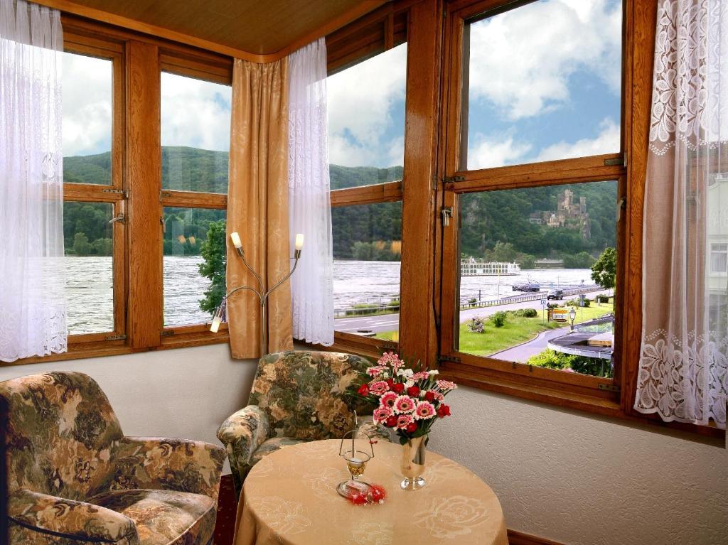 Hotel Caf Post Rdesheim Am Rhein Germany Rooms