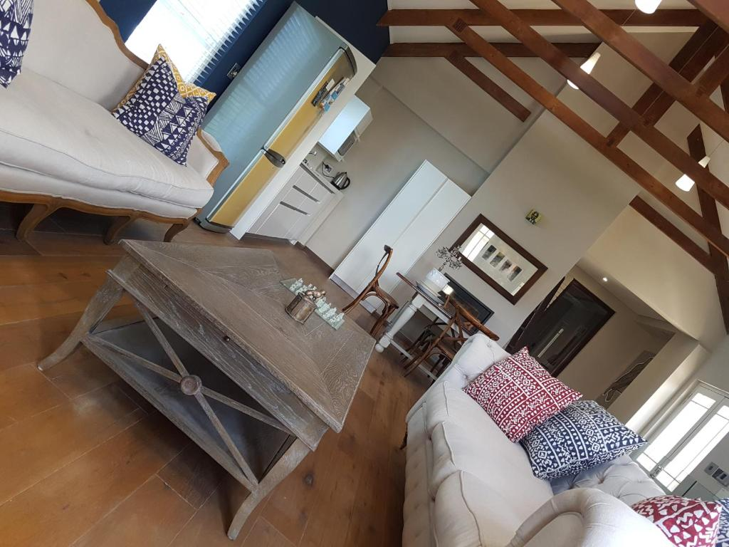 The Big Barn Loft Apartment : 14 Laurentia Way, Cape Town ...