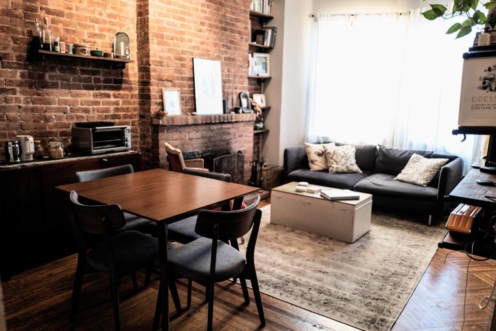 A seating area at COZY! PRIME LOCATION! REAL 2-BEDROOM!