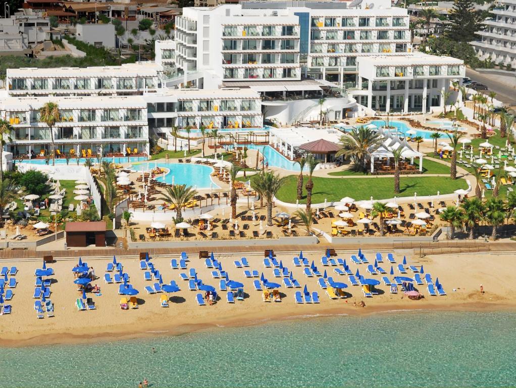 Blick auf Sunrise Pearl Hotel & Spa aus der Vogelperspektive