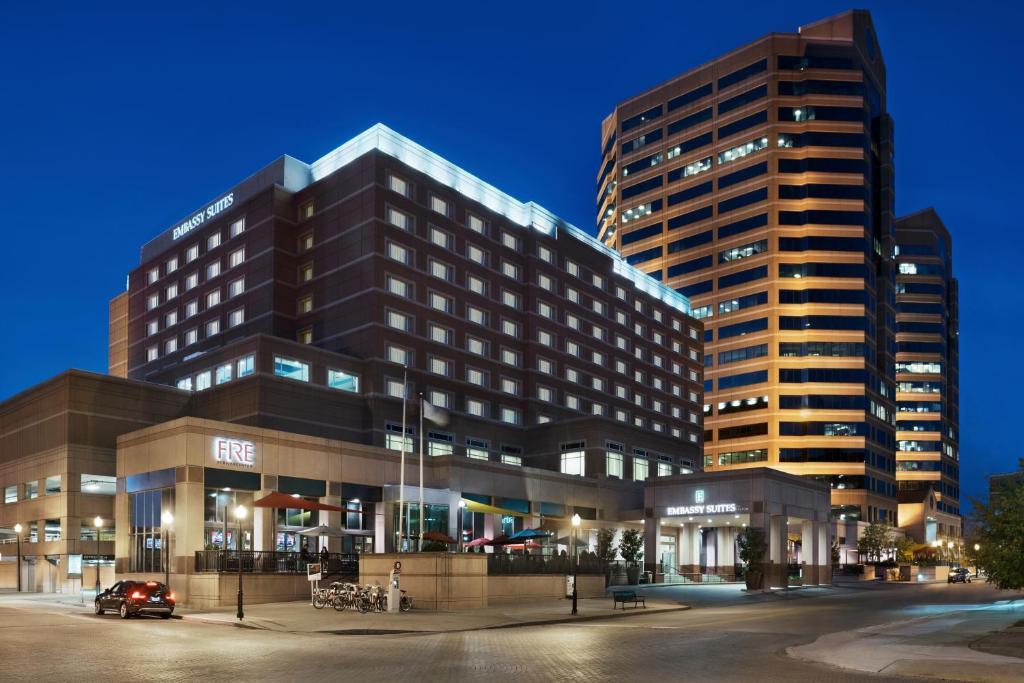 Embassy Suites Cincinnati, Covington, KY - Booking.com