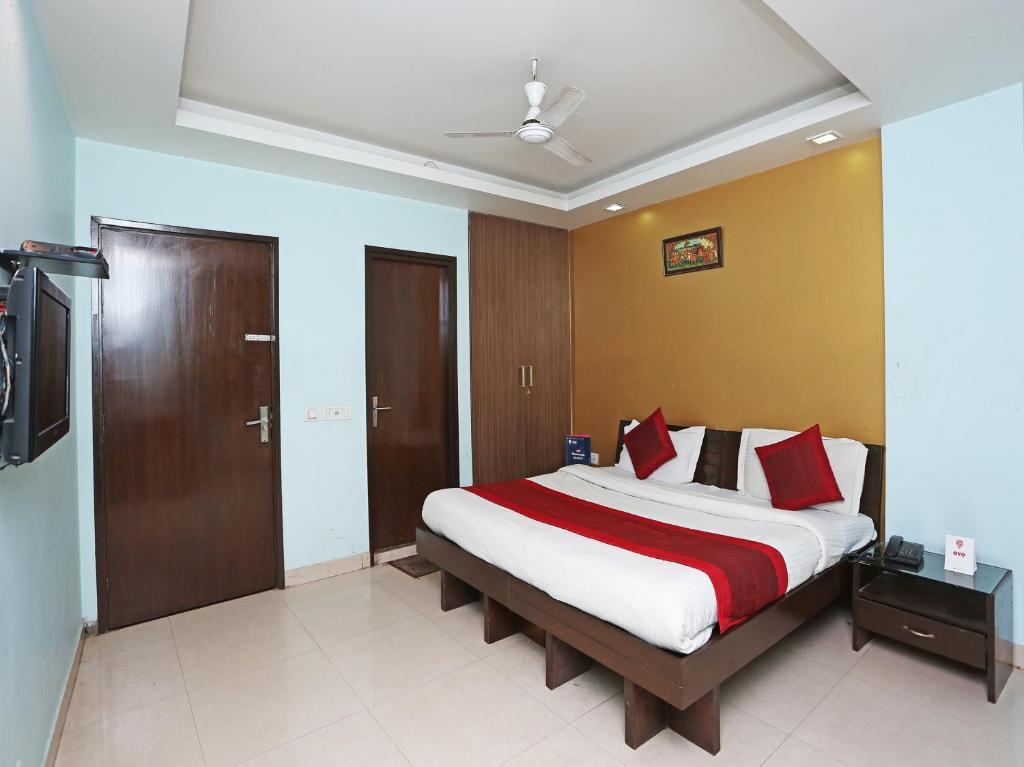 airport hotel flight path new delhi india booking com rh booking com