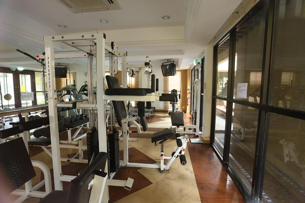 Dover rise condo with gym pool tennis courts etc singapore