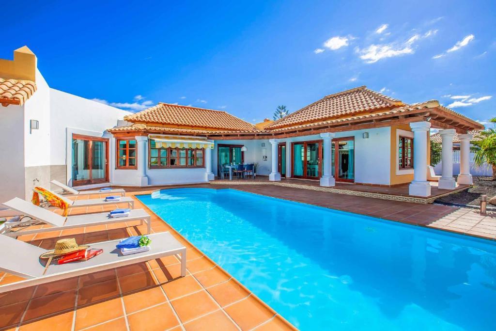 Villa Relax (Spanje Corralejo) - Booking.com