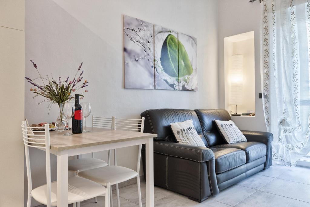 Alice appartamento torino torino prezzi aggiornati per for Appartamento arredato torino