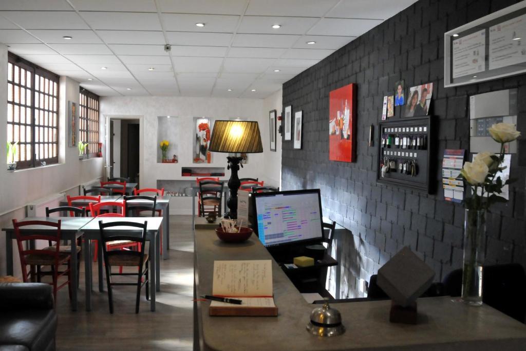 Restaurant ou autre lieu de restauration dans l'établissement Hôtel Saint Jean