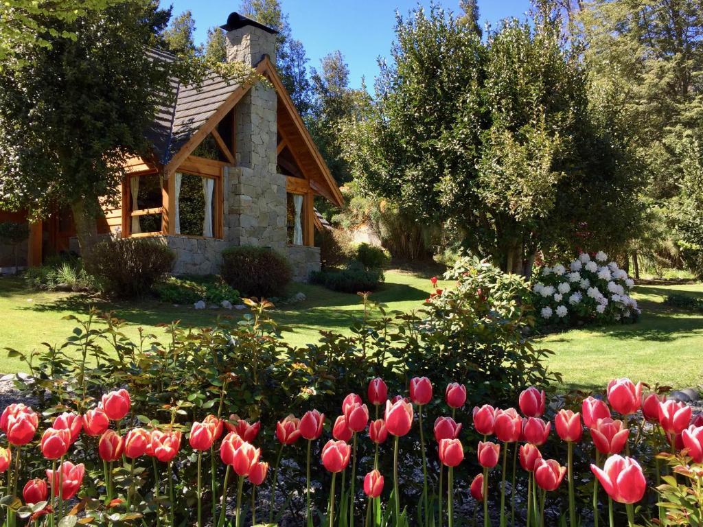 A garden outside Tillka - Casas de Montaña
