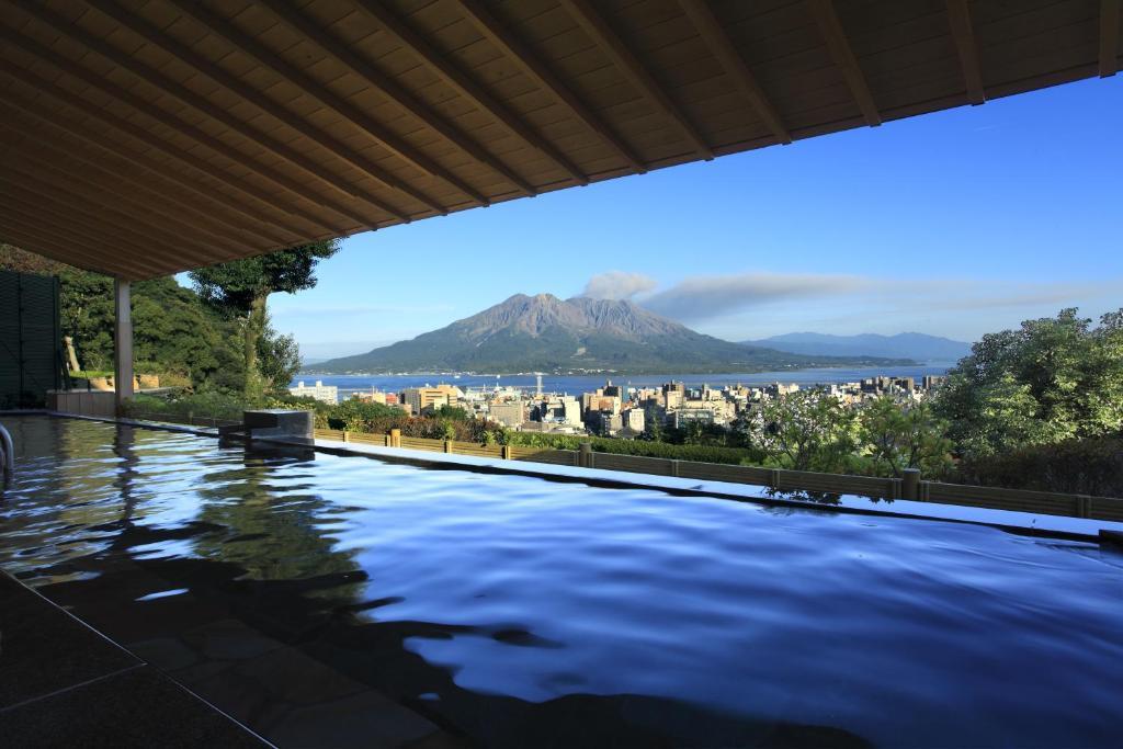 ポイント2.絶景!桜島を望む大浴場