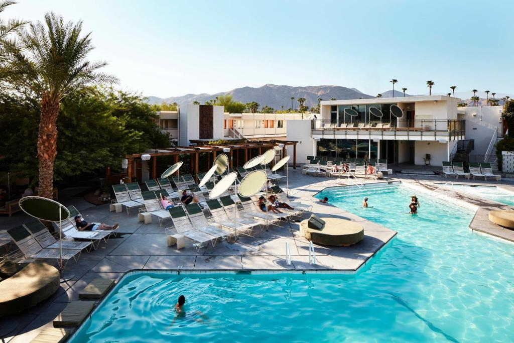 Palm Springs Hotels >> Ace Hotel Swim Club Palm Springs Ca Booking Com