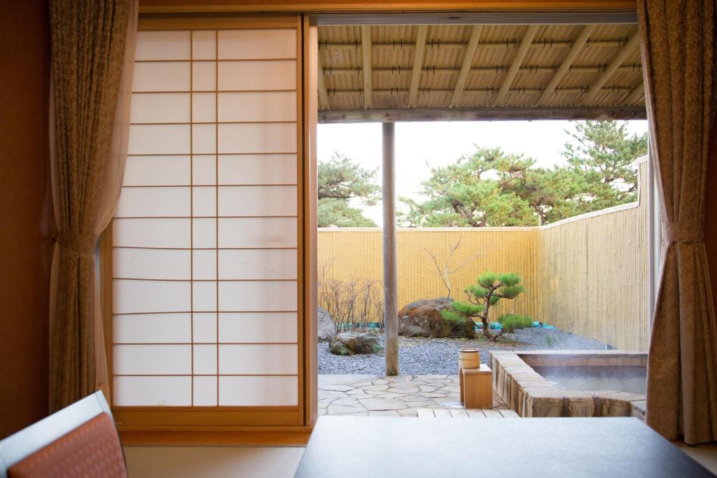 ポイント2.庭園露天風呂が付いた特別客室