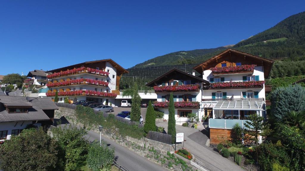 Hotel Garni Hofler Fernblick Italien Schenna Booking Com