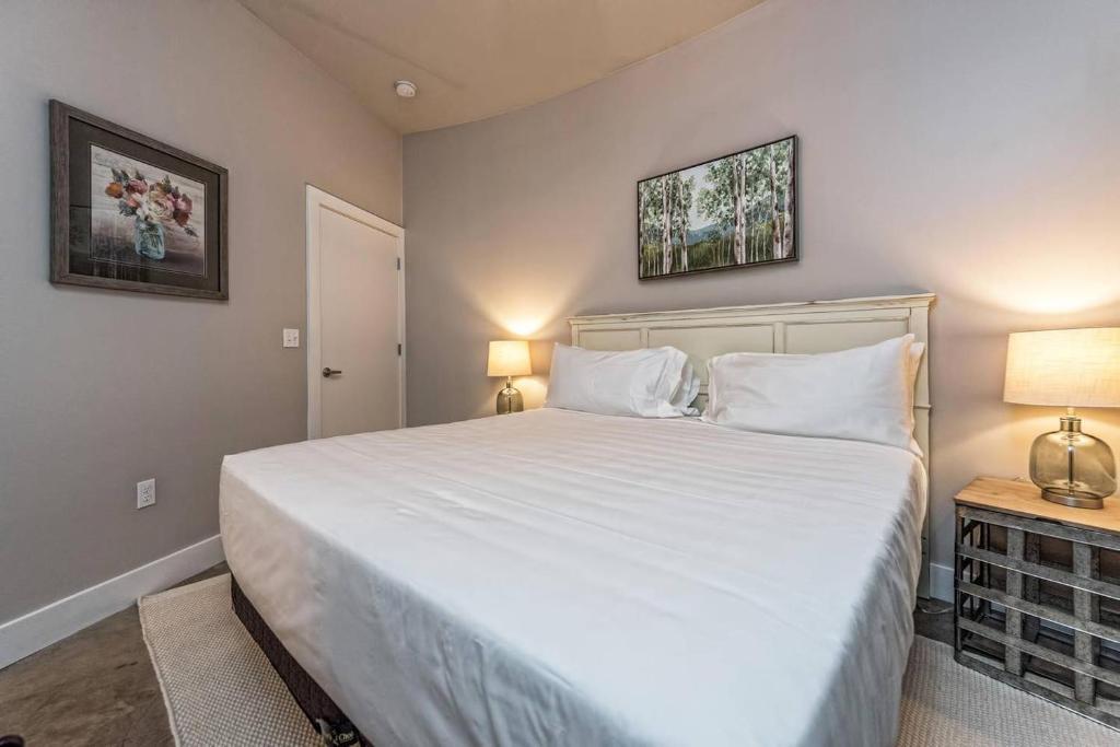 Apartment Green Door Lofts Magnolia Loft Silos Downtown