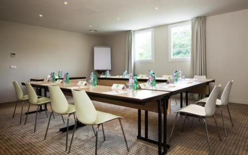 Hotel ibis styles compiegne jaux france booking