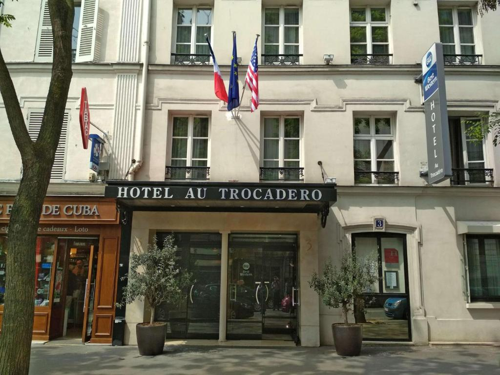 Search hundreds of travel sites at once for hotels in Paris
