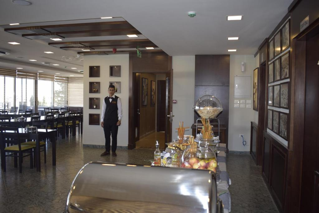 Shams Alweibdeh Hotel Apartments Jordanien Amman Booking Com