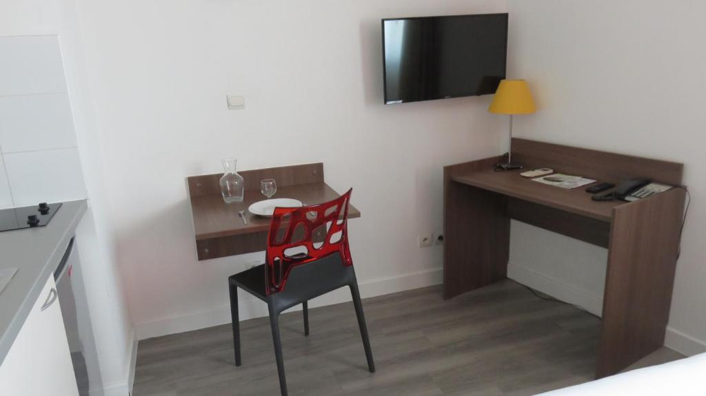 appart h tel mer golf city perpignan centre perpiny. Black Bedroom Furniture Sets. Home Design Ideas