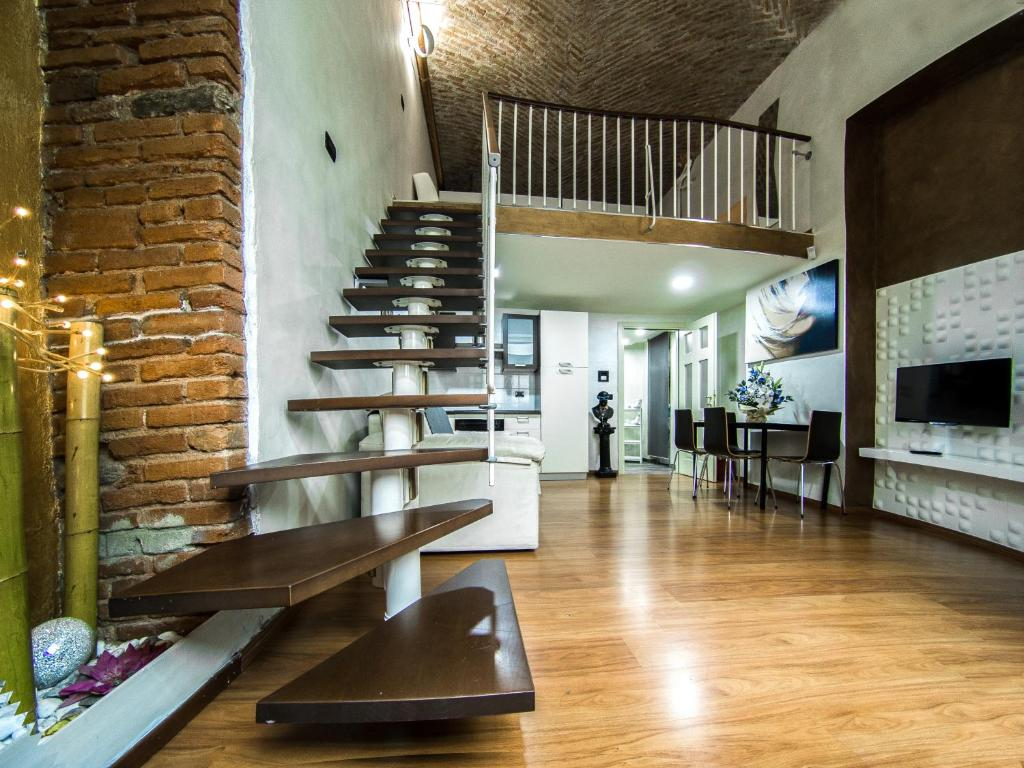 Apartment IDEAL LOFT IN CENTRO TORINO, Turin, Italy - Booking com