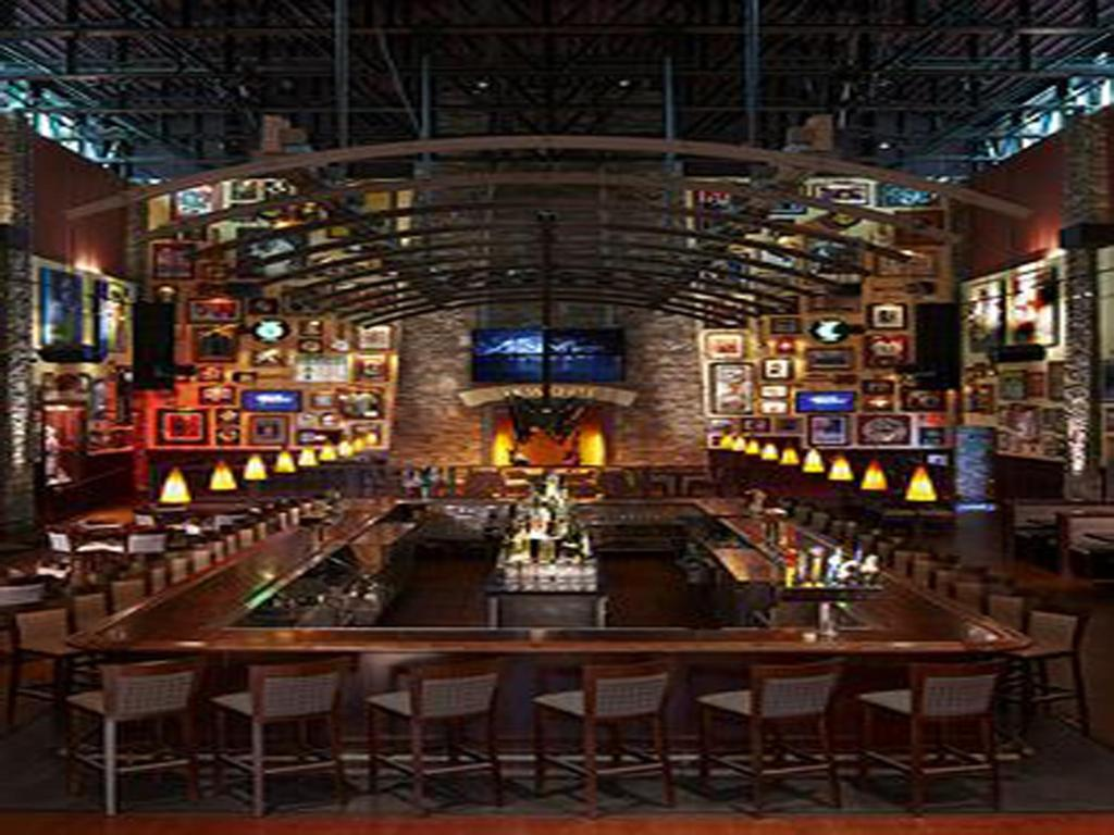 Foxwoods Resort Casino is an interesting attraction to visit. It can be found in Mystic - New London. If you're staying around the state capital, Hartford, you'll need to travel 40 miles to arrive there. You don't have to travel far to discover a place to stay around Foxwoods Resort Casino. There are .