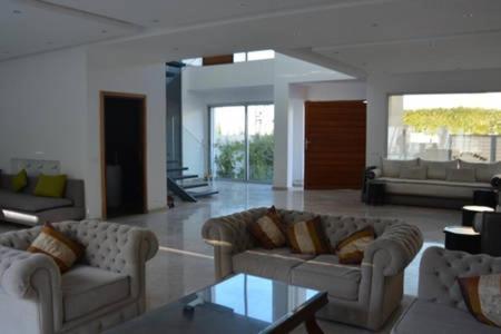 Villa moderne avec piscine, front de mer, Casablanca – Tarifs 2019