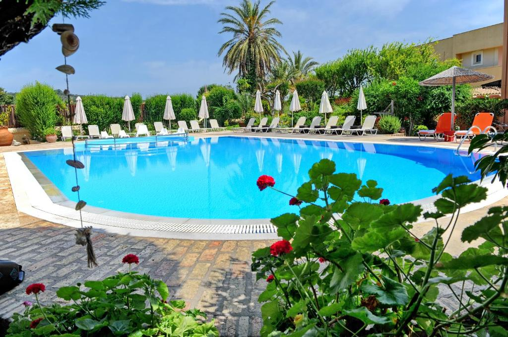 Πισίνα στο ή κοντά στο Alkyon Apartments & Villas Hotel