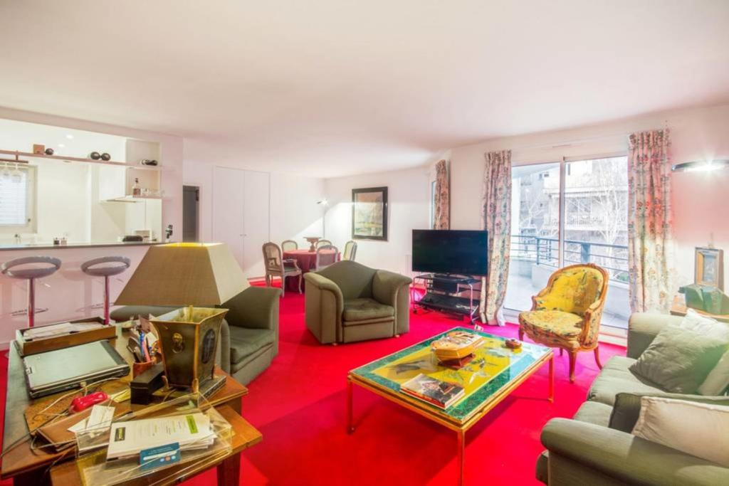 A seating area at Bright and colorful flat for 4p with terrace