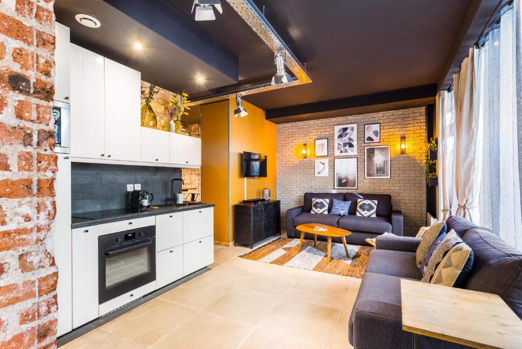 A kitchen or kitchenette at CMG Nation/ Vincennes