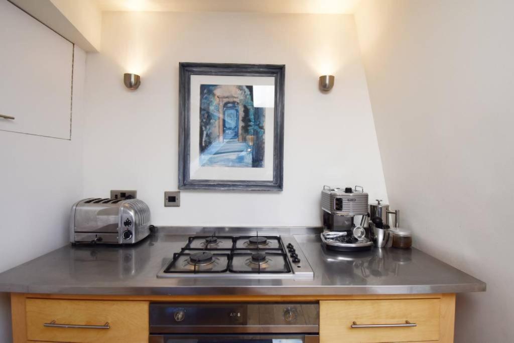 Stupendous 4 Bedroom Flat In City Centre Sleeps 8 Edinburgh Updated Download Free Architecture Designs Sospemadebymaigaardcom
