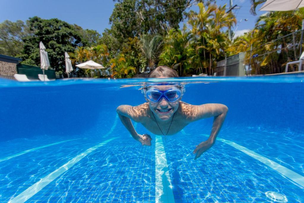 The swimming pool at or near Noosa Caravan Park