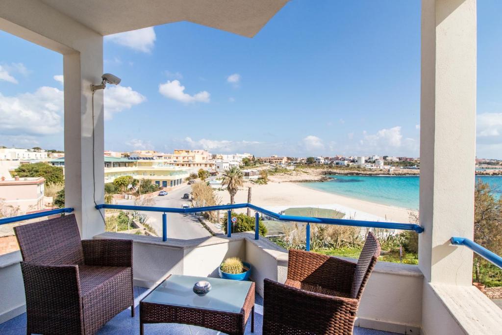 Hotel Il Faro Della Guitgia Tommasino, Lampedusa – Prezzi aggiornati ...