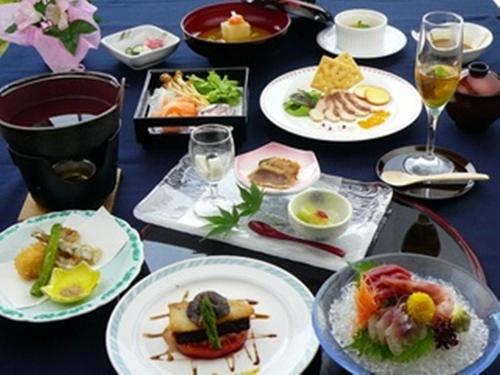 ポイント2.新鮮食材を使った創作料理